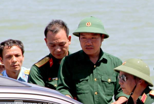 Vietnamese fighter jet missing, one pilot has returned to the shore