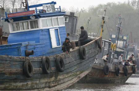 Vietnamese crewmen held over killing of S.Korea ship captain, engineer