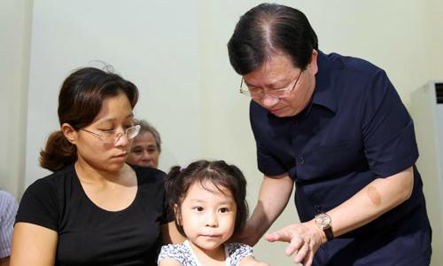 Hanoi offers dead fighter pilot's wife a teaching job