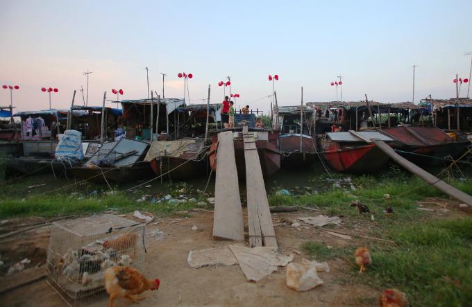 plastic-bucket-generators-lighten-load-of-living-costs-for-vietnamese-people