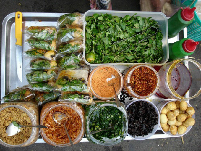 how-to-satisfy-your-stomach-for-1-in-saigon-1