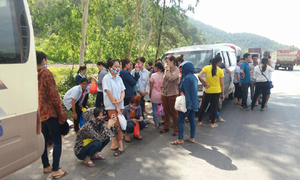 Landlords hungry for tenants blockade factory in central Vietnam