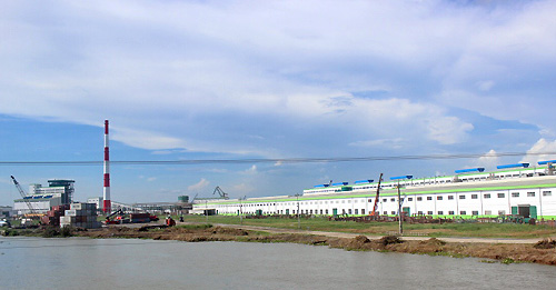 chinese-giant-paper-plant-claims-not-a-threat-to-mekong-river