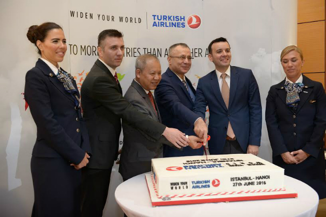 direct-flights-launched-from-istanbul-to-hanoi-and-hcmc