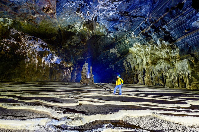 mind-boggling-cave-opens-for-tourists-in-vietnam-5