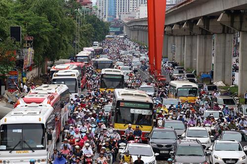A Hanoi street. Photo by VnExpress/Ba Do