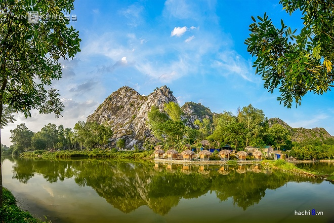 Tram Mount, or Tu Tram Son, is a limestone mountain in Chuong My District, 20 kilometers from the central Hanoi.