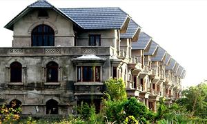 Ghost town de luxe: Saigon's unmanned villas