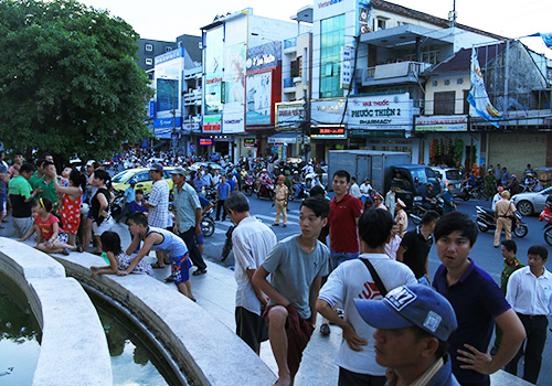 hundreds-of-big-c-employers-in-central-vietnam-holds-protest-over-land-use-issue