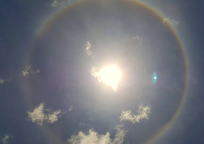 stunning-sun-halo-makes-special-appearance-in-the-sky-in-vietnam-2