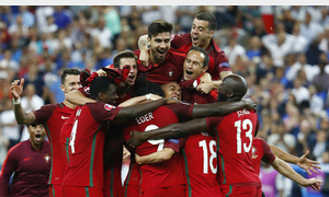 Portugal look to spoil French party in Euro 2016 final
