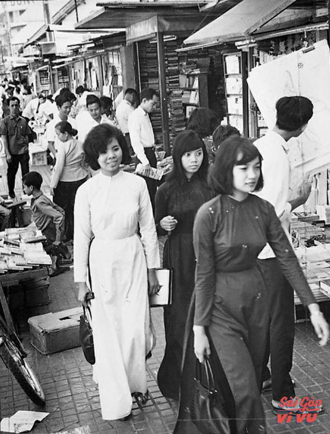 retro-throwback-in-the-waspy-waist-ao-dai-7