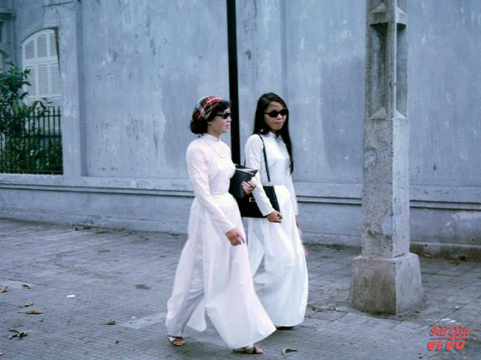 retro-throwback-in-the-waspy-waist-ao-dai-20