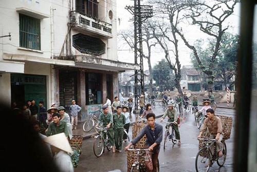 rolling-back-the-years-old-hanoi-by-bicycle-7