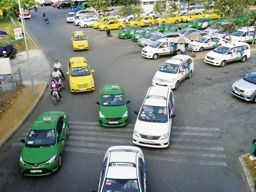 vietnams-vinasun-launches-ride-hailing-app-to-compete-with-uber-grab