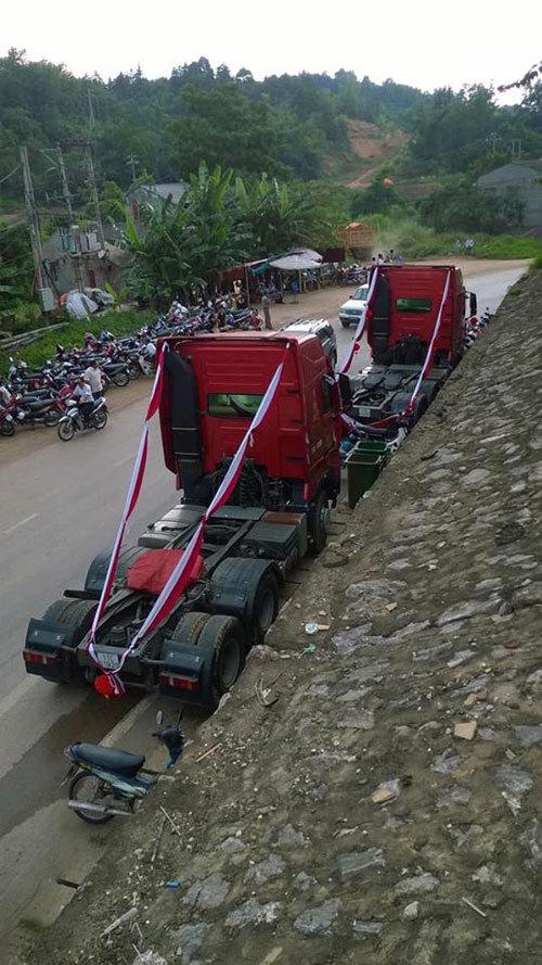 groom-uses-cargo-trucks-as-wedding-car-2
