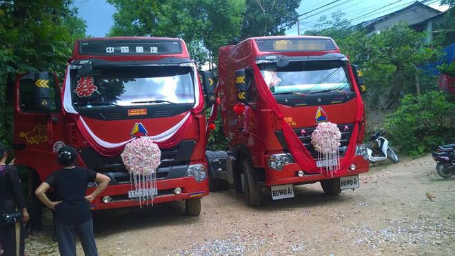 groom-uses-cargo-trucks-as-wedding-car