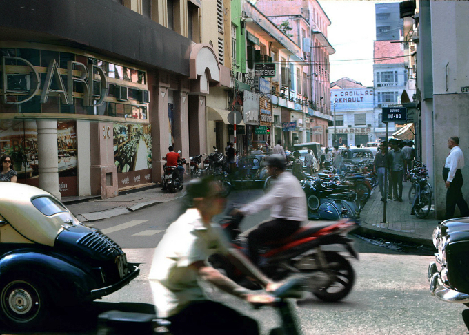 saigon-photo-montages-blend-the-old-with-the-new