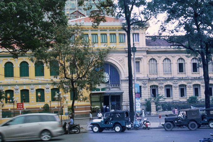 saigon-photo-montages-blend-the-old-with-the-new-1
