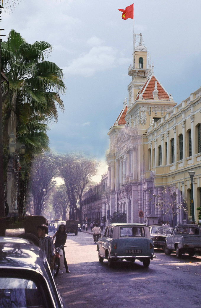 saigon-photo-montages-blend-the-old-with-the-new-8