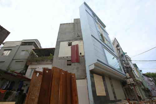 super-thin-houses-shoot-up-like-bamboo-all-over-hanoi-3