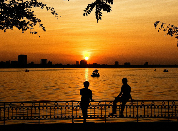 the-sun-rain-love-affair-called-hanoi-summer-8