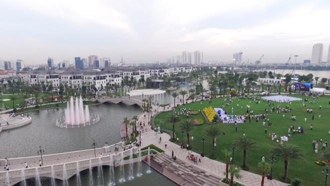 saigon-opens-its-biggest-ever-riverside-park-7