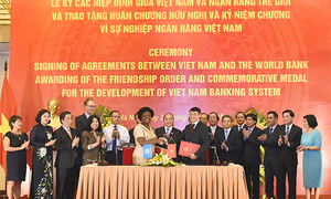 Vietnam, World Bank sign loan agreements totaling $371 million