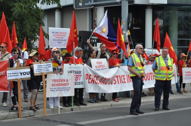 vietnamese-in-germany-demand-china-respect-hague-ruling-5