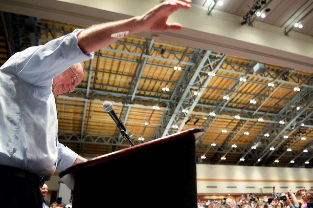 chaos-in-us-democratic-convention-as-sanders-backers-revolt-5
