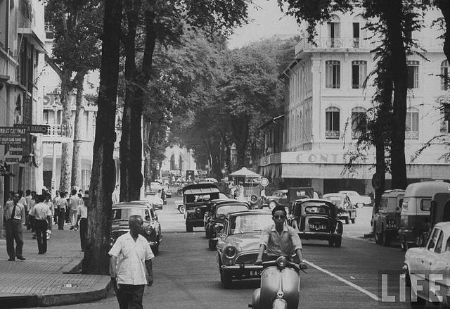 Saigon 1961 - Main street, formerly Rue Catinat, renamed Tu Do.