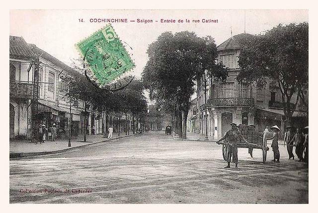 SAIGON - ENTREE DE LA RUE CATINAT POUR THEATRE MUNICIPAL