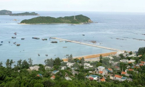 Vietnam allows foreigners access to previously 'forbidden' island