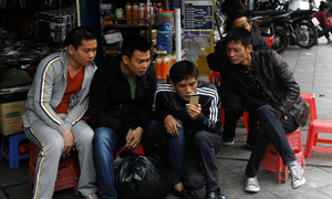 Mobile-mad Vietnam's economy to get $5.1-bln online boost: researchers
