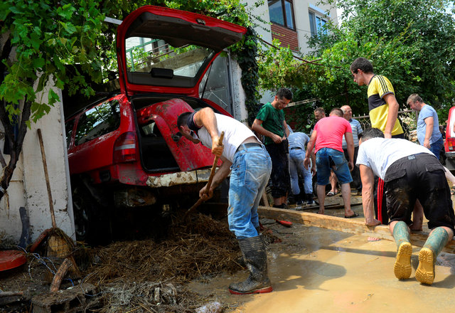 macedonia-declares-state-of-emergency-after-21-die-in-flash-floods