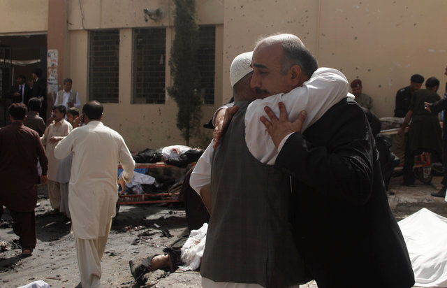 bomb-targeting-mourners-at-pakistan-hospital-kills-at-least-45