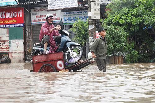 Vietnam issues flood, landslide alert as heavy rain set to lash northern region