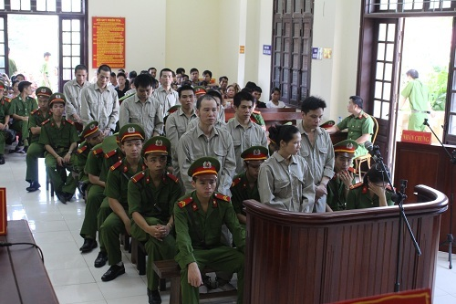 Vietnam sentences 11 to death for heroin trafficking