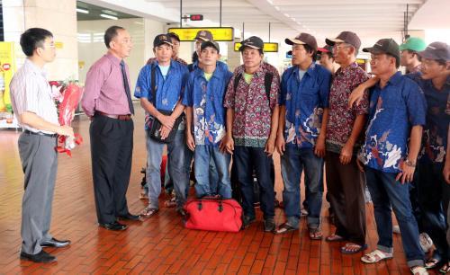 indonesia-releases-49-illegal-vietnamese-fishermen