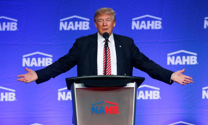 Trump calls Obama, Clinton Islamic State 'co-founders', draws rebuke