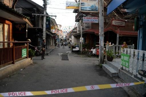 One dead, 19 injured in Thailand resort town blasts