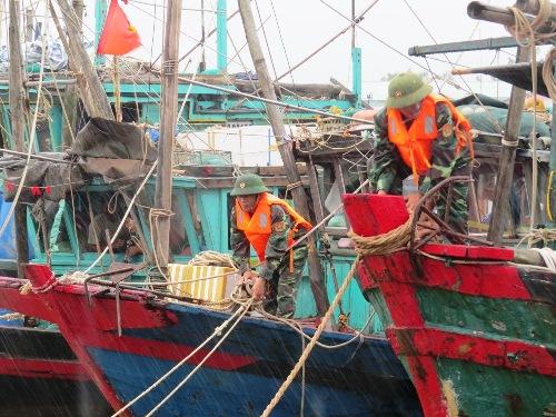 typhoon-dianmu-hits-northern-vietnam