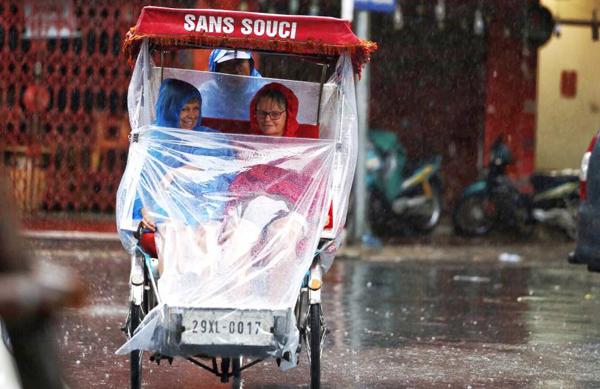 typhoon-dianmu-leaves-path-of-destruction-in-northern-vietnam