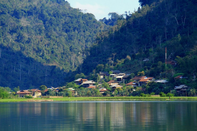 vietnams-most-beautiful-lakes