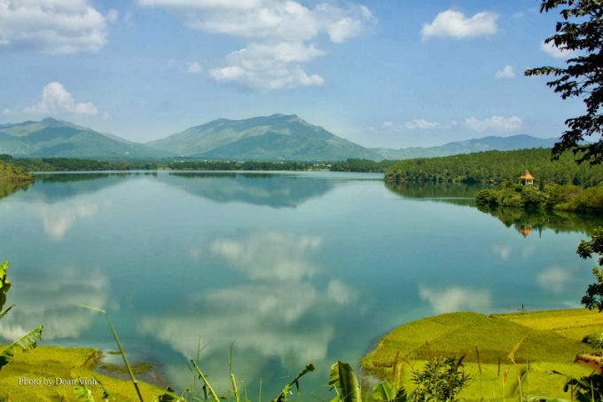 vietnams-most-beautiful-lakes-5