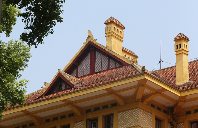 The mansion was designed in 1924 by eminent architect and town planner Ernest Hebrard (1875-1933), head of then Hanois urban planning agency, had its first brick laid in 1925 and its last three years later. Photo by VnExpress/Ngoc Thanh