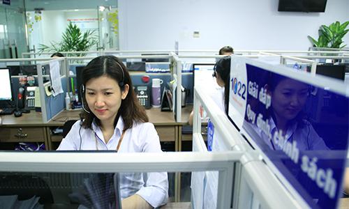 Da Nang City hotline takes English queries