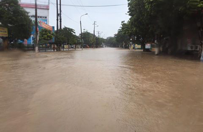 northern-vietnam-drowned-by-heavy-rains-4