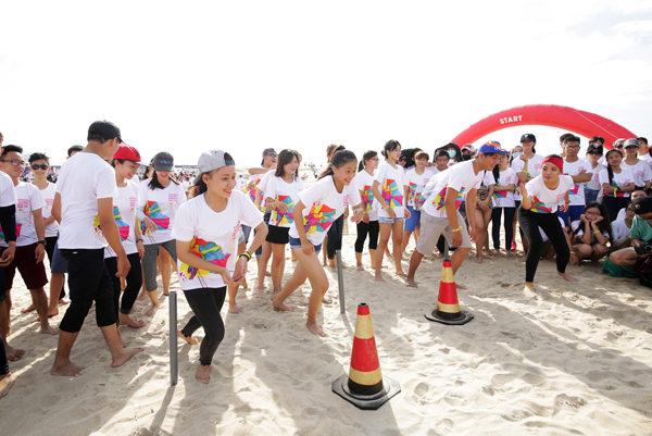 10,000 locals and tourists flocked to Cocofest 2016 - Colours of Tropics sponsored by Empire Group for non stop beachside entertainment from August 26-27, promising more such events in the future in Da Nang.