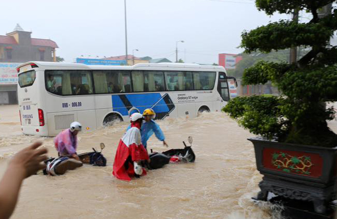 northern-vietnam-drowned-by-heavy-rains-5